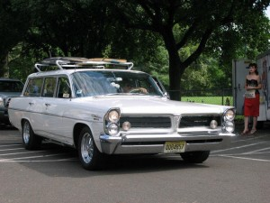 Vintage Car Muscle - needs AMSOIL ZROD Pontiac Wagon