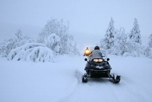 snowmobile-on-trail