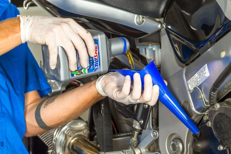 adding amsoil 10w-40 motorcycle oil